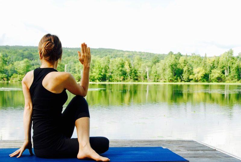 Yoga estilo de vida sano,natural y en equilibrio
