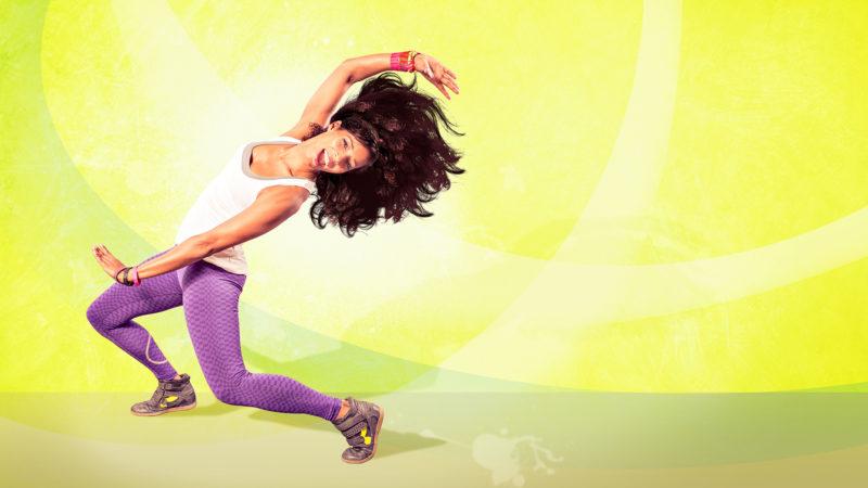 Los beneficios de las rutinas step y bailoterapia en casa