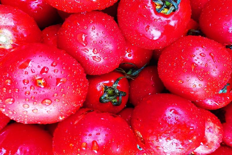 Beneficios y propiedades del tomate y receta de sopa curativa cardiovascular